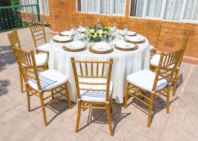 Mesa y silla exterior 5