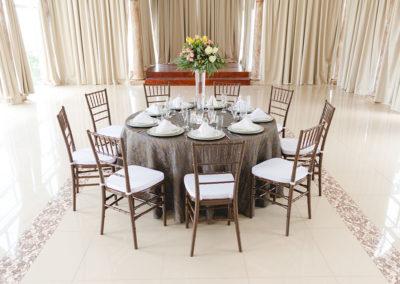 Mesa y sillas 2